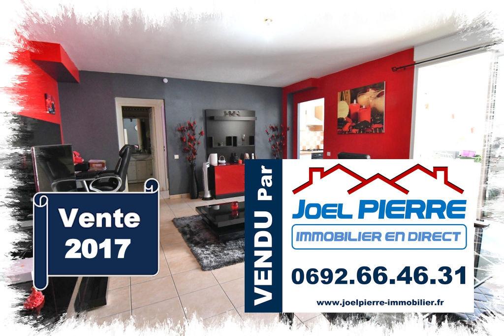 Trop tard c'est déjà VENDU (en 1 visite seulement) par Joël PIERRE Immobilier : SAINT DENIS Centre : Appartement T2 de 58,03 m2 avec varangue