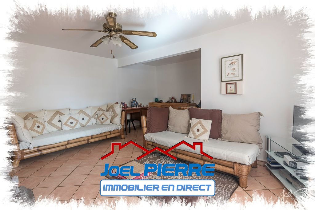 JPI : SAINTE CLOTILDE Appartement T4 de 88 m² (SU) + 2 garages fermés