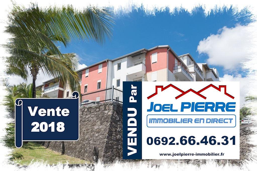 Trop tard c'est déjà VENDU (en 1 mois) par Joël PIERRE Immobilier : SAINTE CLOTILDE Appartement T d'une surface totale de 56.91 m² Vue Mer
