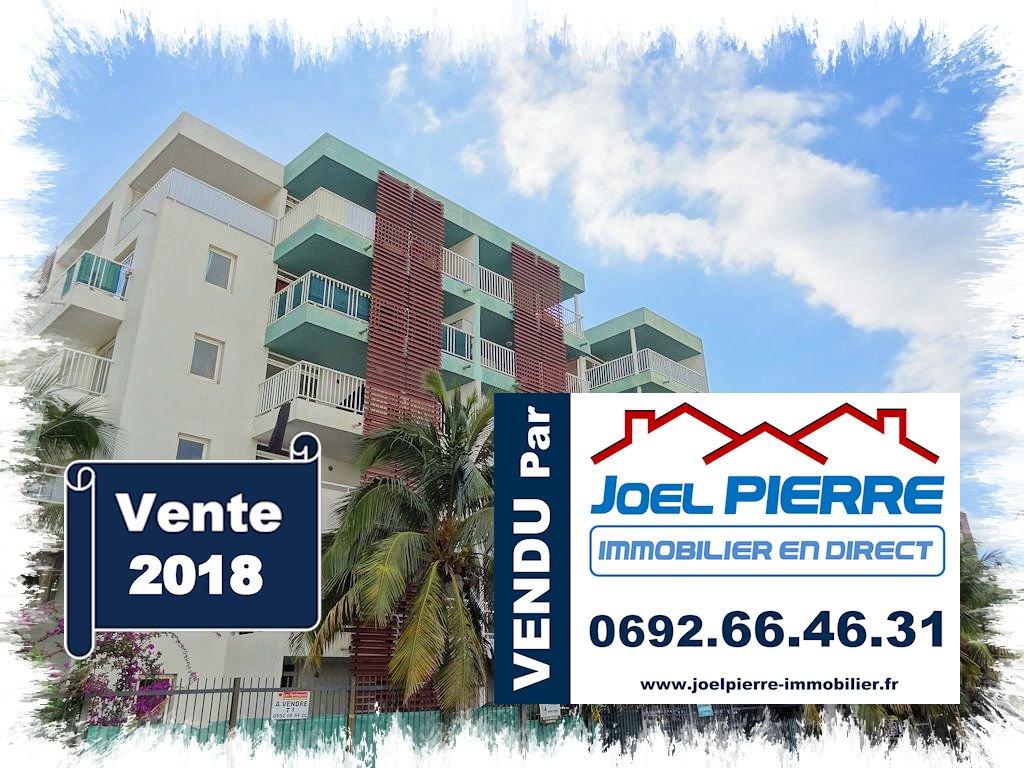 Trop tard c'est déjà VENDU (en 1 visite seulement) par l'agence Joël PIERRE Immobilier : SAINTE CLOTILDE Appartement T3 en RDC d'une surface totale de 59.65 m² avec parking s-sol