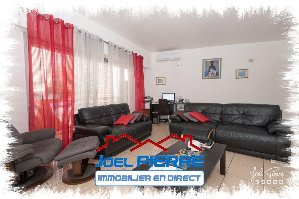 JPI : SAINTE CLOTILDE Appart. T4 d'une surface utile de 144.51 m²