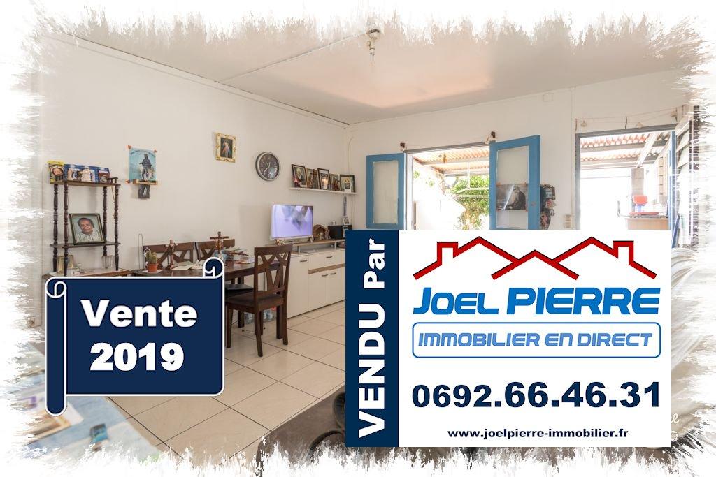 Trop tard c'est déjà VENDU (en 24h seulement...) par Joël PIERRE Immobilier : SAINTE CLOTILDE Maison  2 pièce(s) 39 m2 + 16.90 m² de varangue sur 127 m² de terrain